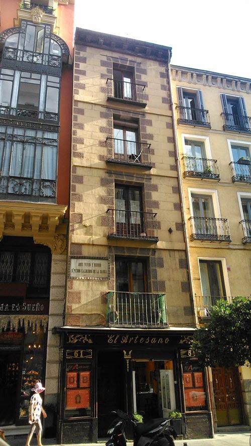 Las casas m s estrechas de madrid 1 caminando por madrid for Casas estrechas