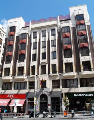 Gran via 52 caminando por madrid for Arquitectura franquista