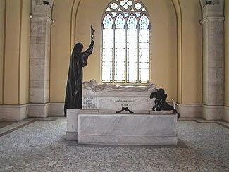 El Panteón de Hombres Ilustres, 2.