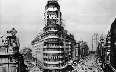 El edificio Carrión y el luminoso