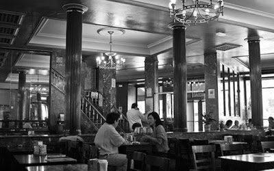 El Café Comercial