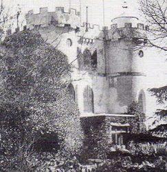 El castillo medieval del parque del Retiro