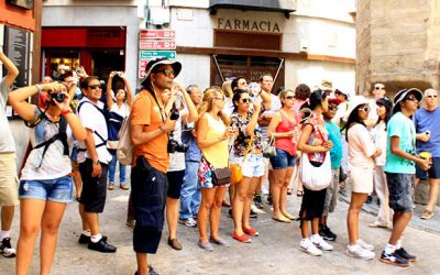 Vender las ciudades al turismo.